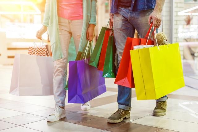 スーパー・ショッピングモールなどの商業施設